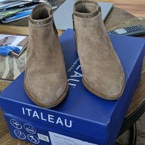 Italeau booties
